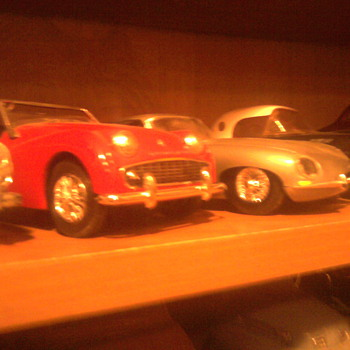 English sports cars in 1/25 scale...They don&#039;t break down!