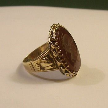Vintage Mans Wine Cameo 14k Ring - Fine Jewelry