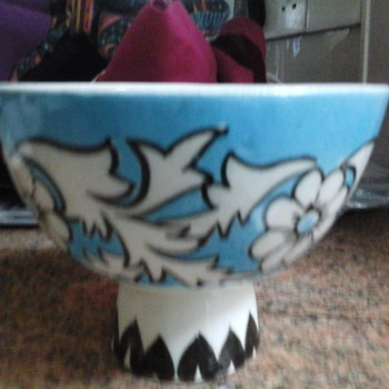 footed bowl - Art Pottery