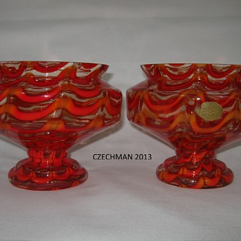 PAIR OF FABULOUS ART DECO EXPORTED CZECH GLASS VASES BY KRALIK EXPORT LABEL - Art Glass