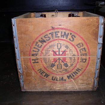Hauenstein picnic bottles and cases