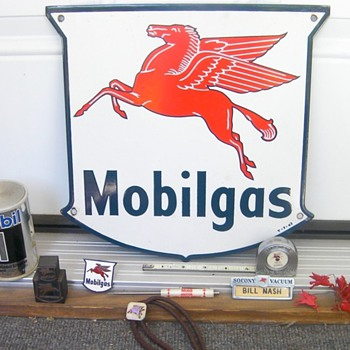 Mobil collectibles - Petroliana