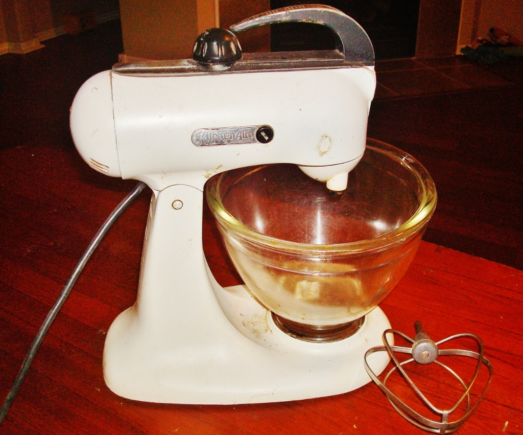 Fabric Exhibition Stand Mixer : Vintage kitchenaid stand mixer collectors weekly