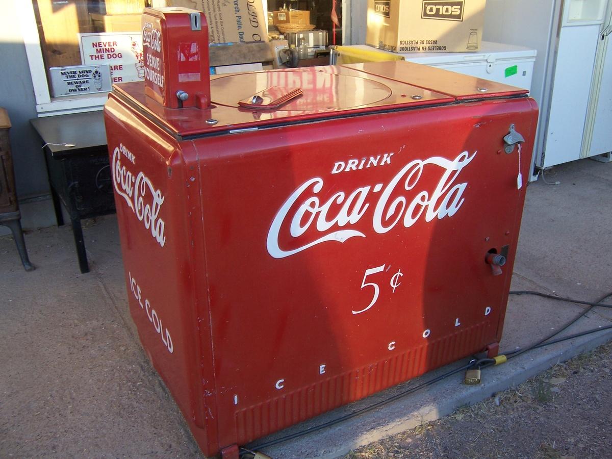 1940s coke machine