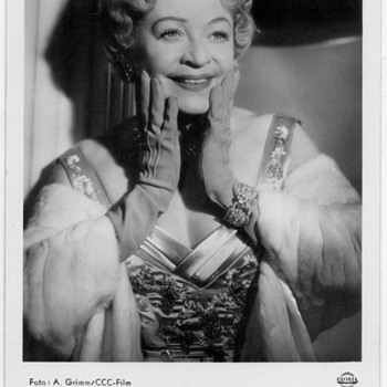 Grethe Weiser - Photo Postcard - Movies