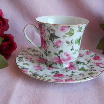 rose pattern porcelain tea cup and saucer set - China and Dinnerware