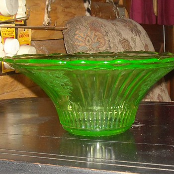 Large Green Depression Glass Bowl Hocking Glass Mayfair Pattern - Glassware