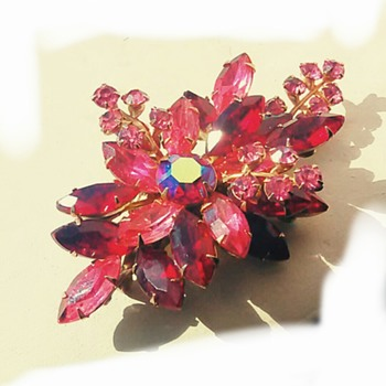 Pink & red Brooch