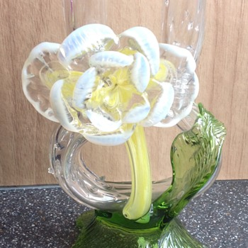 Kralik Frog legs Vase with floriforn. - Art Glass