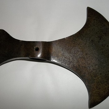 Need help identifying this ax/hatchet/tomahawk head...Thanks!!!