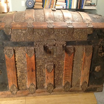 Hump back trunk any info please? - Furniture