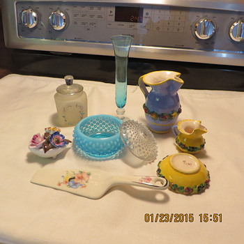 one left from set of 3 1950 baby set frosted glass,collectables from italy shell with flowers cake cutter blue hand me downs al