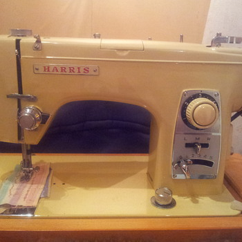 My Harris Sewing Machine (with All Original Bits & Instruction Booklet and case)