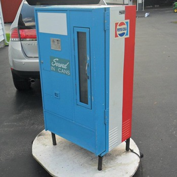 1960's Pepsi Vending Machine
