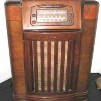 1946 Philco Radio-Phonographic Model 46-1209