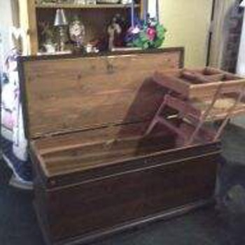 Lane Cedar chest - Furniture