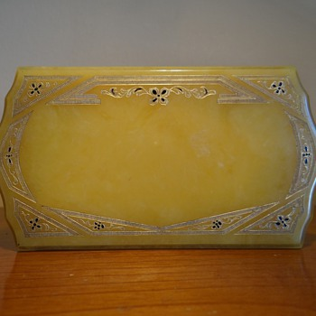 C.1920S PYRAMID BAKELITE JEWELRY BOX  AUTHENTIC - Fine Jewelry