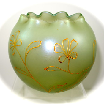 Loetz Arcadia Rose Bowl, PN II-64, Dek I/107 ca. 1901 - Art Glass