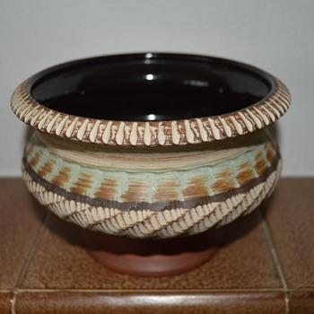 Dumler & Breiden pedestal bowl