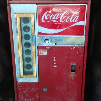 1959 Vendo Coca Cola machine