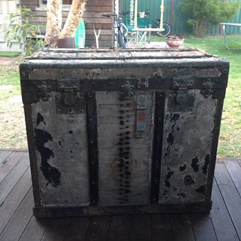 Old steamer chest with the word SURETE on each lock