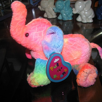 Avon elephant plush - Animals