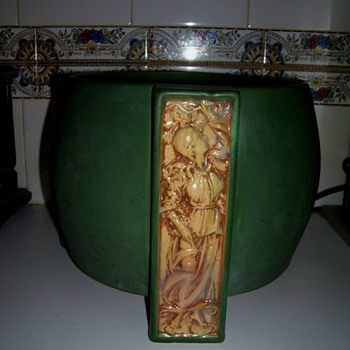 Early Roseville Matte Green Or Chloron Jardiniere - Art Pottery