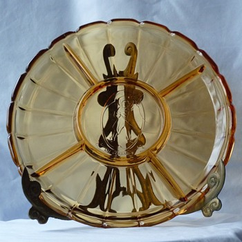 &quot;Au Gourmet&quot;, amber glass, divided serving platter - Glassware