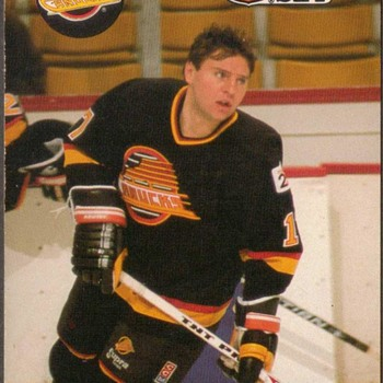 1990 - Hockey Cards (Vancouver Canucks)