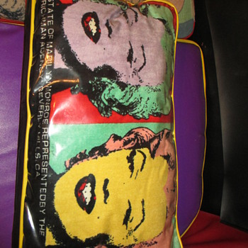 Marilyn Monroe Sofa with Warhol print