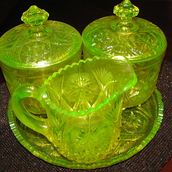 "Super Rare Wheaton set Only given to the Hostess ""never sold to the public"" - Glassware"