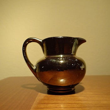 GRAY'S POTTERY - ENGLAND  - Art Pottery