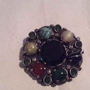 Miracle brooch - Costume Jewelry