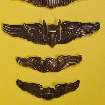 WWII Wings & Pins Hendrick's Field Sebring, Florida - Medals Pins and Badges