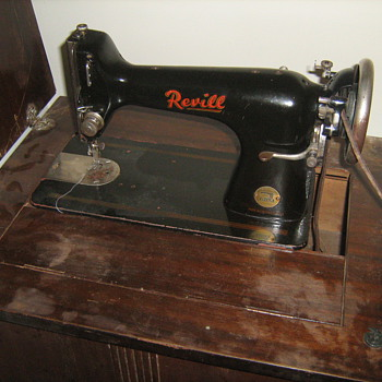 My mystery, have no idea about this machine. Made in Czech, Mila brand, distributed in Brisbane Australia. Can't find anything? - Sewing