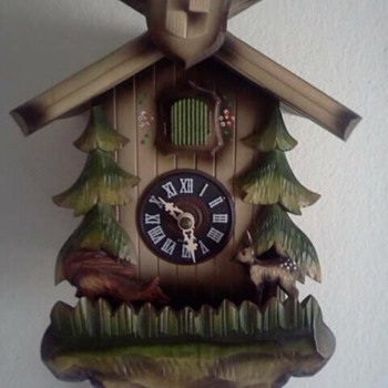 Jumping fox and bambi cuckoo clock