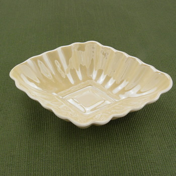 Belleek Diamon Salt - 2nd mark - Pottery