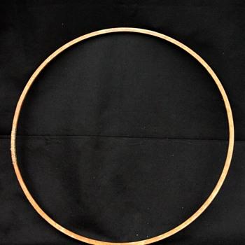 ancien cerceau à faire rouler en bois. vers 1900. early 1900' wooden hoop. - Toys