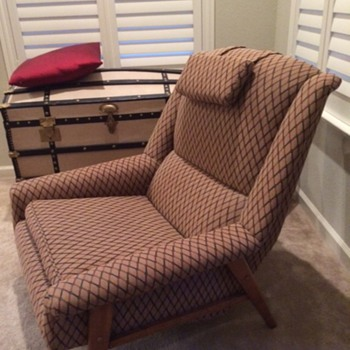 Help me identify this chair - Furniture