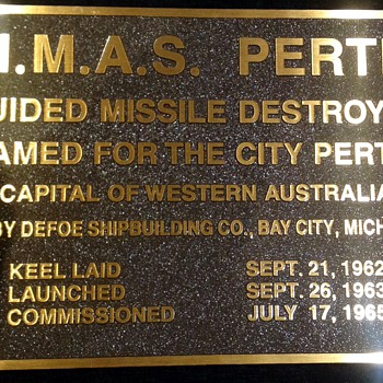 HMAS Perth DDG 38 Commissioning plaque