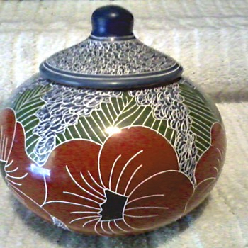 Interesting Sgraffito  Pottery Jar with Lid / Poppy Floral Design / Unknown Maker or Age - Art Pottery