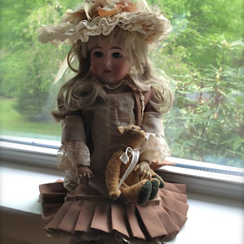 Armand Marseille Queen Louise Doll - Dolls