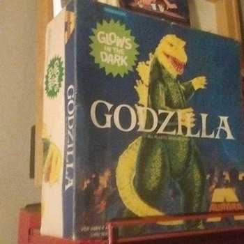"Aurora Godzilla Model Kit !!! ""Glow in the dark"" - Toys"