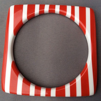 Lucite bangle ? - Costume Jewelry