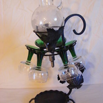 Wine decanter/serving set - Bottles