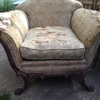 I love a Freebie! I would love to learn more about this piece... - Furniture