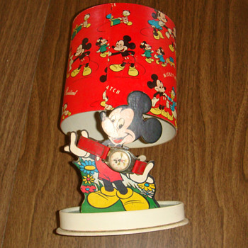 1952 &quot;Oval&quot; presentation box Mickey Mouse