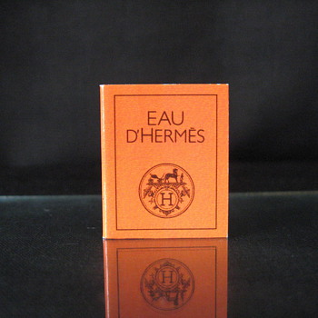 AUTHENTIC EAU D'HERMES  BOOK , THE BOOK IS 1x1 INCHES   - Books