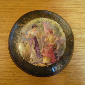 Inherited porcelain box