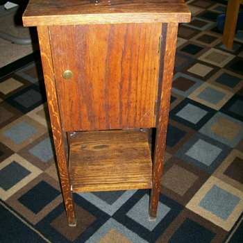 Vintage Pipe smoking stand/Table for Seans  Penguins :-) - Tobacciana